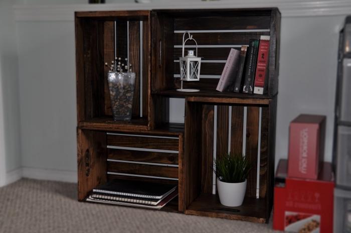 deco avec palette ou caisses de bois, modèle de meuble de rangement fait maison avec caissettes de bois repeintes