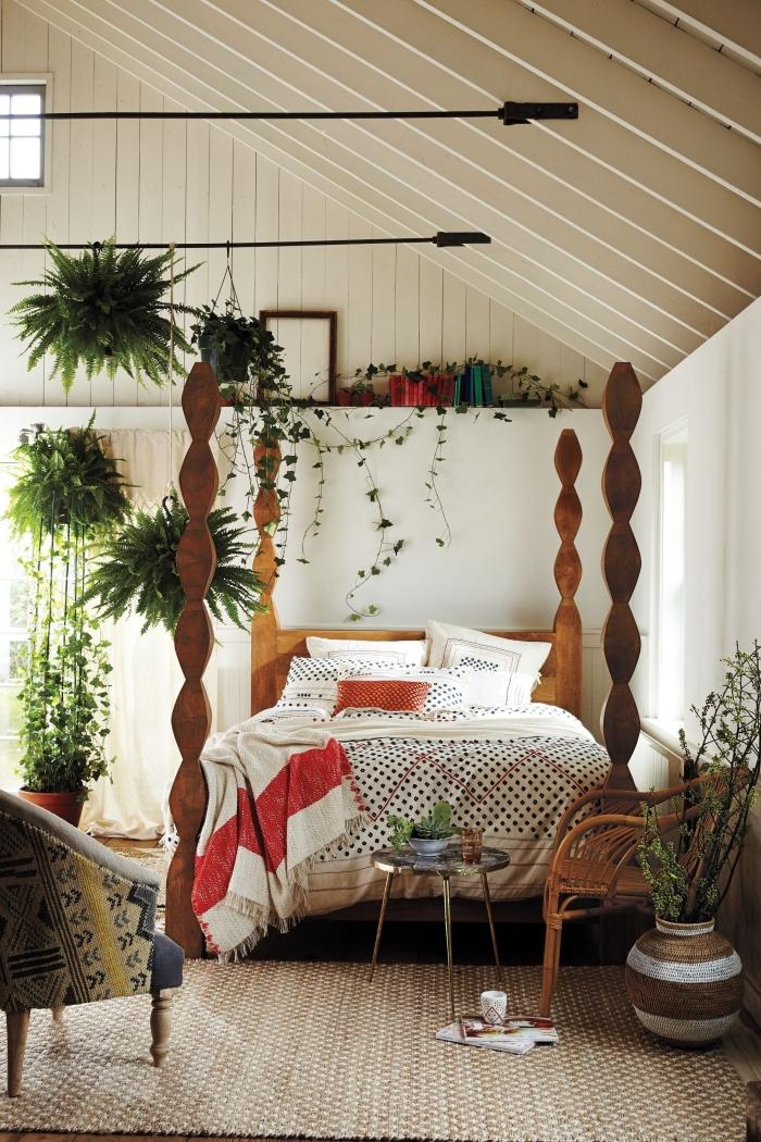 décoration chambre à coucher blanche avec meubles en bois foncé et fibre végétale, design lit cocooning avec cadre exotique