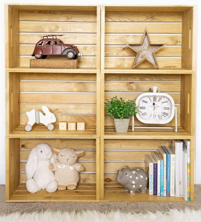petite etagere en palette ou caisses bois à réaliser soi même, diy meuble facile et à petit budget avec cagettes de bois recyclés
