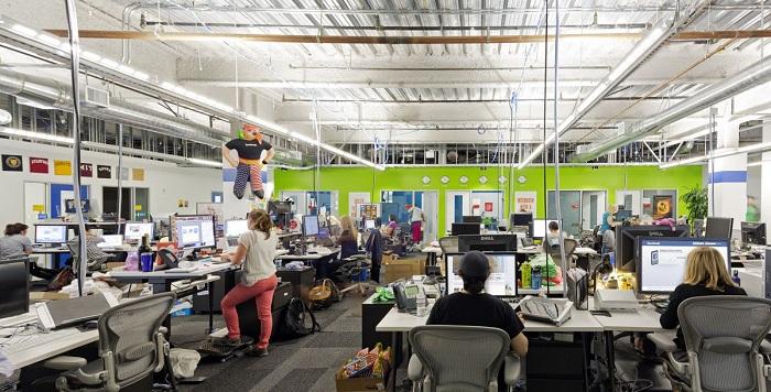 La moitié des 45 000 salariés de Facebook devraient adopter le télétravail permanent d'ici 5 à 10 ans