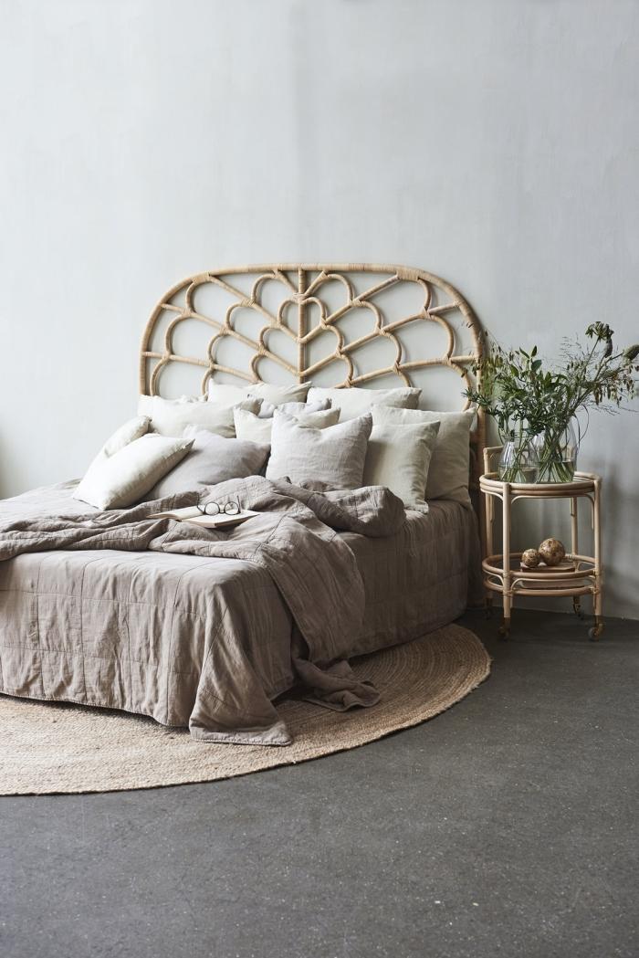 idee deco chambre adulte zen de style boho chic, comment décorer une chambre parentale avec lit cocooning en cadre bambou