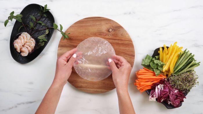 comment faire un rouleau de printemps simple à la feuille de riz, recette apero dinatoire crevette