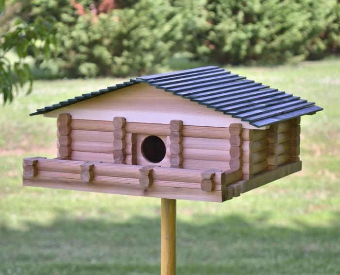 idée de construction maison pour oiseaux facile avec bâtonnets de bois, diy maison sur pied en bois pour oiseaux