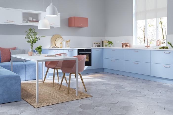 Chaise ikea rose, canapé bleu claire en angle quelle couleur pour une cuisine, tendance cuisine 2020 aménagement