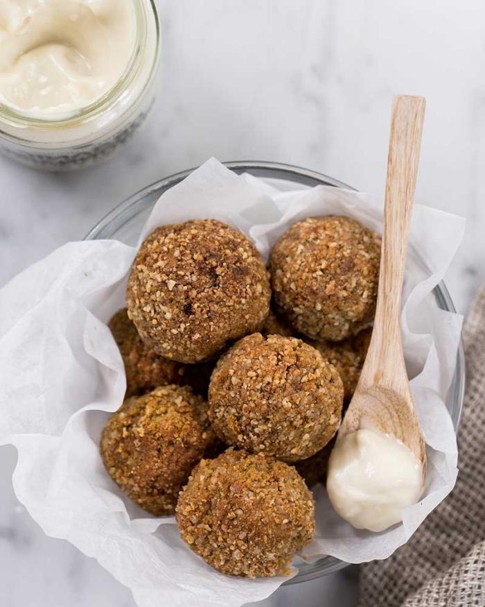 boules énergiques recette sucrée saine les meilleurs desserts d été boules protéine flocons d avoin beurre d arachide noix concassées