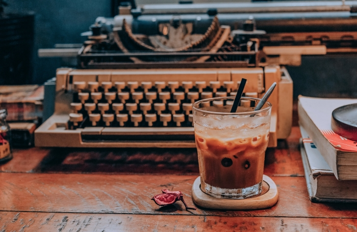 se préparer un café frappé facile à la maison, recette frappé avec café instantané et cassonade sans sucre