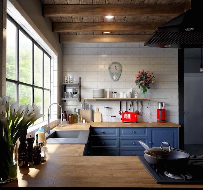 Bleu couleur mur cuisine, association couleur pour bien décorer sa cuisine appareils électriques rouges