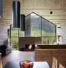 chalet a la montagne avec vue magnifique cheminee allumee habiller un mur en bois idée déco