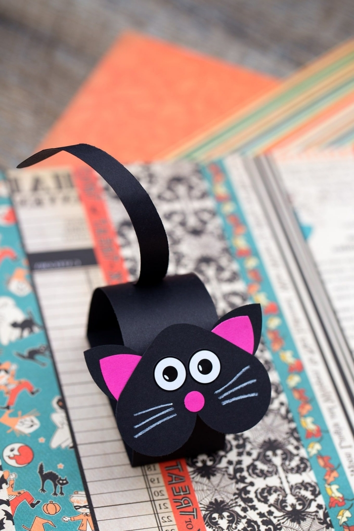 activité enfant 3 ans, modèle de petit chat en papier scrapbooking, comment faire une figurine animalière en papier coloré