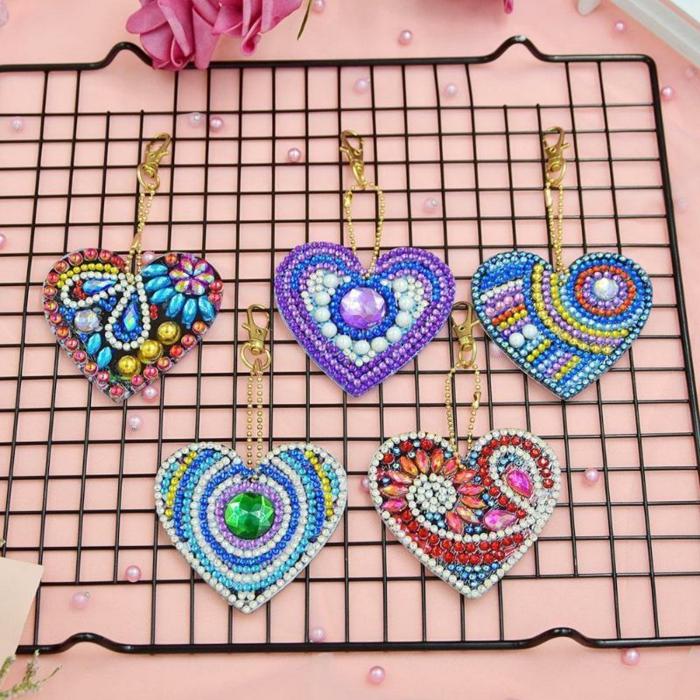 Perles pour broderie que faire avec les restés boucle d'oreilles diy de perle diamant, creation diamant décorer les murs avec ses tableaux