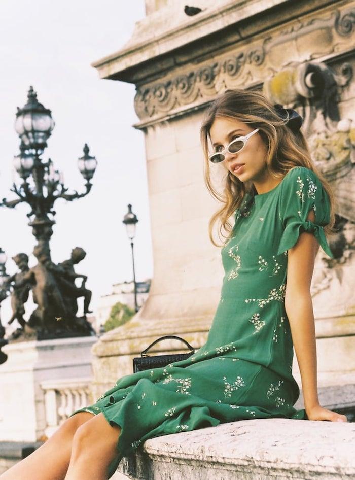 chouette idée comment s habiller photo paris femme beau look image robe a fleur longue femme bien habillée en robe longue fleurie