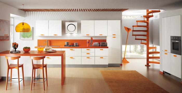 Orange et blanche cuisine tendance 2020, repeindre sa cuisine et l'aménager bien a la mode