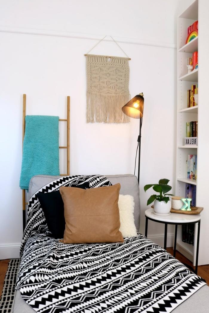 couverture de lit motifs barbère blanc et noir tete de lit macrame en cotton corde beige suspension murale diy lampe sur pied noire