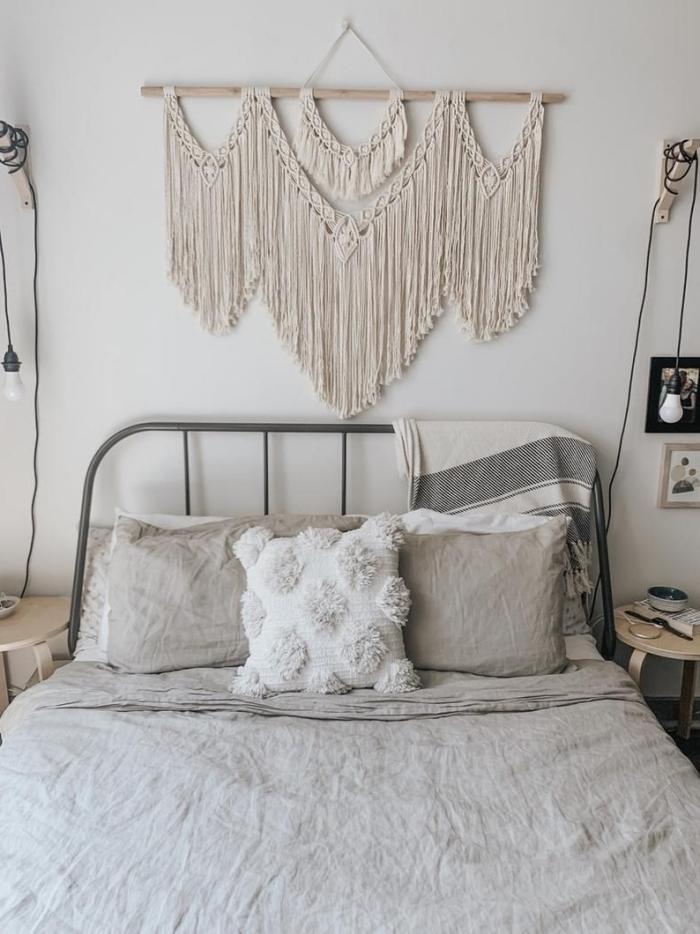 décoration chambre à coucher petit espace style bohème suspension murale technique macramé tete de lit diy facile table de chevet bois ronde
