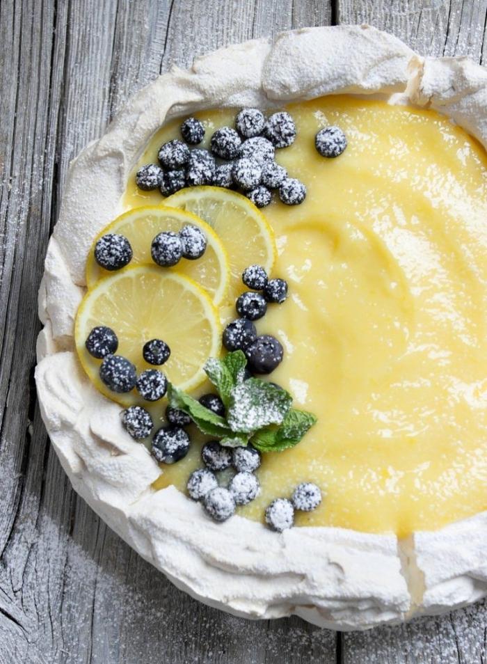 dessert facile a faire gâteau cheescake crème mangue crème au citron pâte cheescake tranches de citron myrtilles congélés