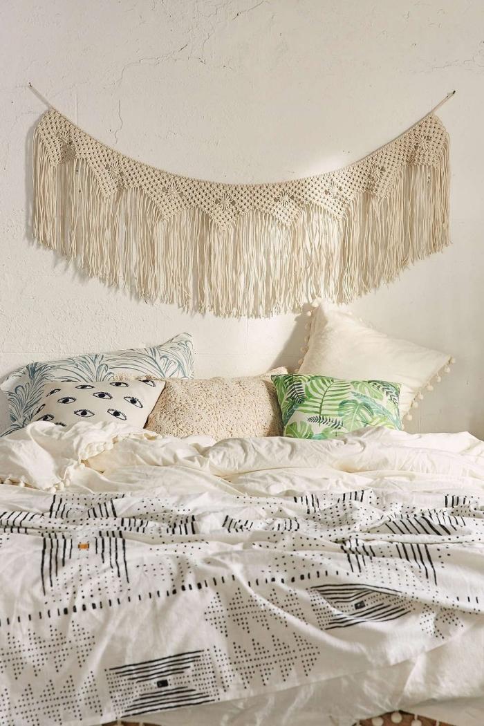 diy guirlande en corde macramé technique noeud macramé suspension murale coussin motifs feuilles vertes tete de lit a faire soi meme