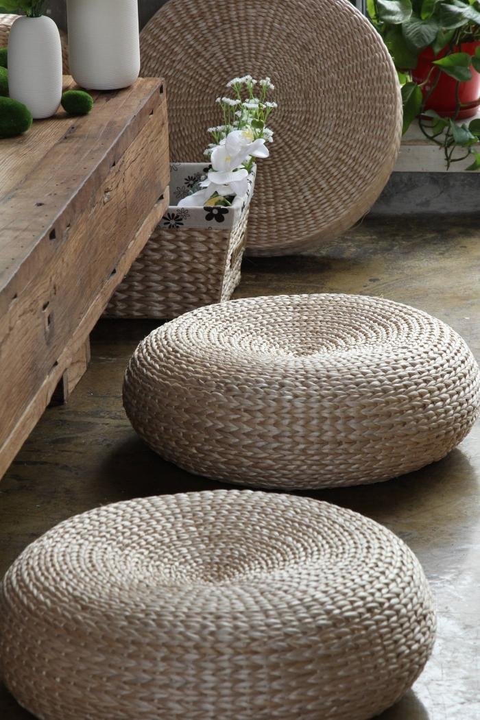 diy déco recup facile et à petit budget, modèles d'ottoman en pneu recyclé couvert de corde, idée de pouf facile à faire