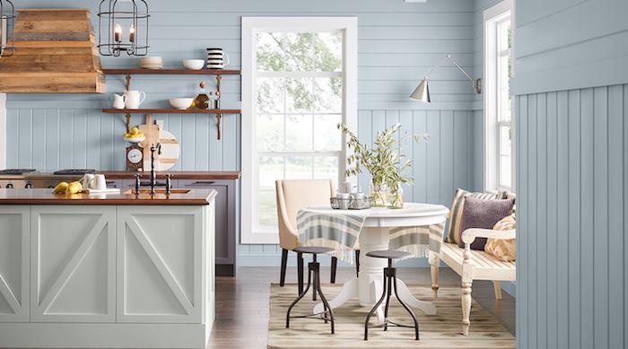 Bleu claire et bois dans une cuisine rustique bien aménagée, quelle couleur pour une cuisine, couleur cuisine moderne