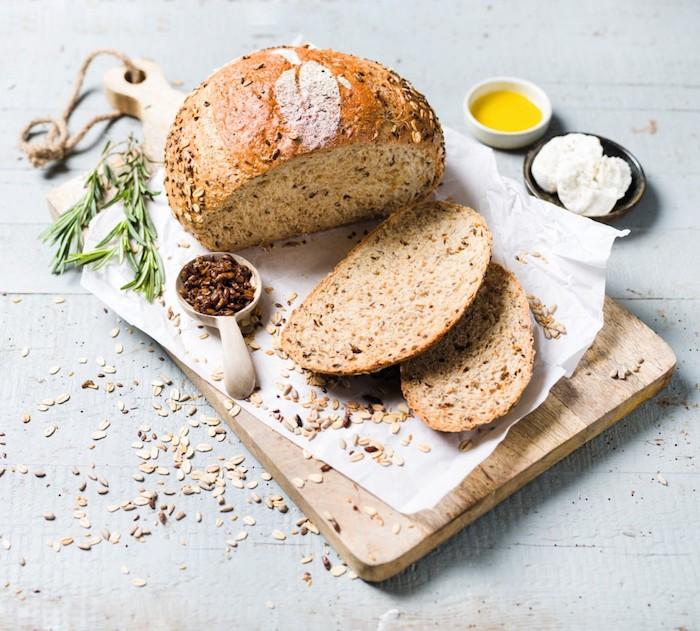 exemple pour faire du pain maison de campagne aux flocons d avoine et des graines