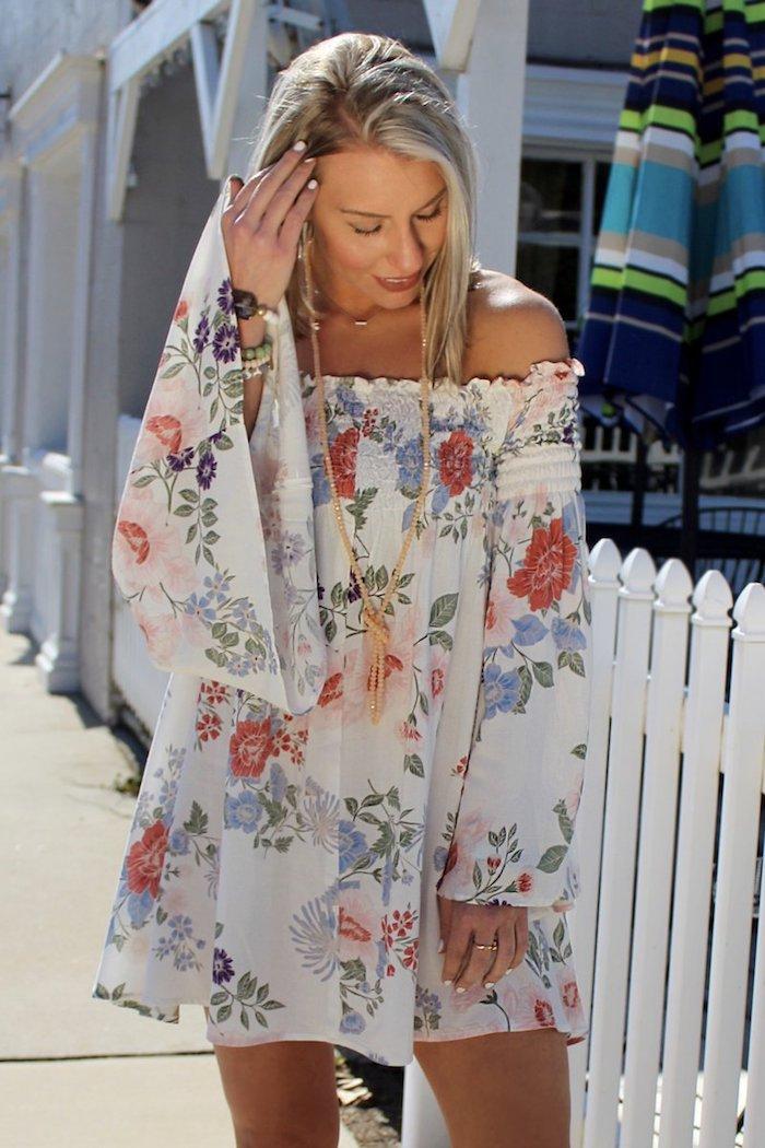 idée tenue robe courte blanche style boheme chic tenue robe courte manche longue epaules denudees robe femme habillée comment bien s habiller en été pour n avoir trop chaud