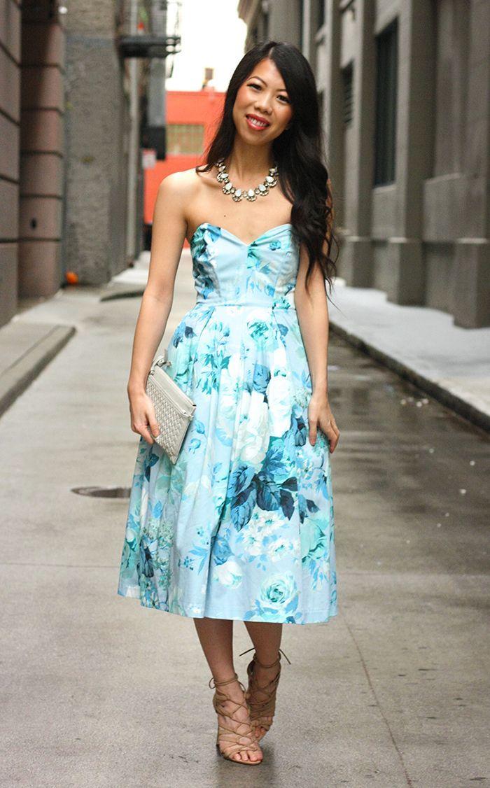 invités au mariage robe mi longue parfaite pour demoiselle d honneur sandales beiges a talon robe bustier fleurie robe été femme tenue habillee blogueuse style tendance 2020