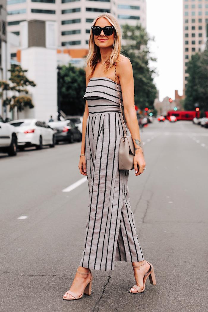 idee tenue femme originale tailleur pantalon avec top couleur grise a rayures, mode femme été 2020