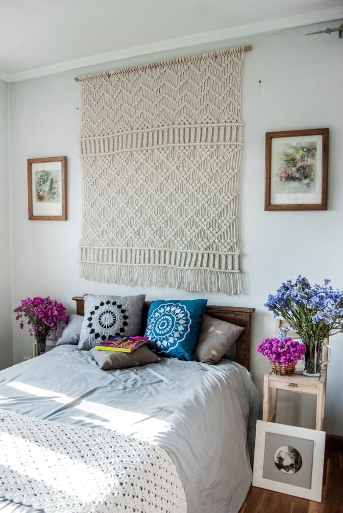 macramé mural facile à faire avec corde cotton bâtonnet bois noeud macramé décoration petite chambre à coucher motifs ethniques