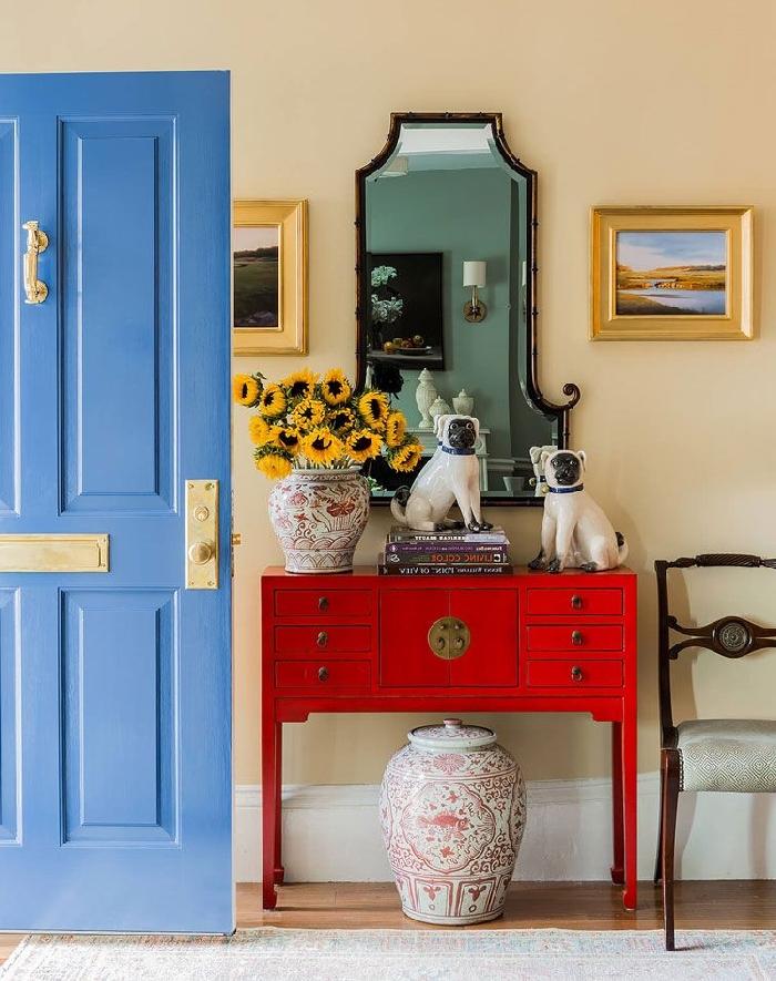 miroir cadre foncé décoration murale art peinture cadre doré de quelle couleur peindre les portes d un couloir meuble rangement rouge
