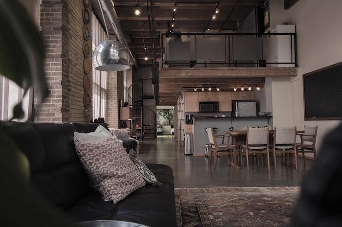 Briques quelle couleur pour une cuisine, tendance cuisine 2020 aménagement cuisine ouverte au salon, plan loft géant