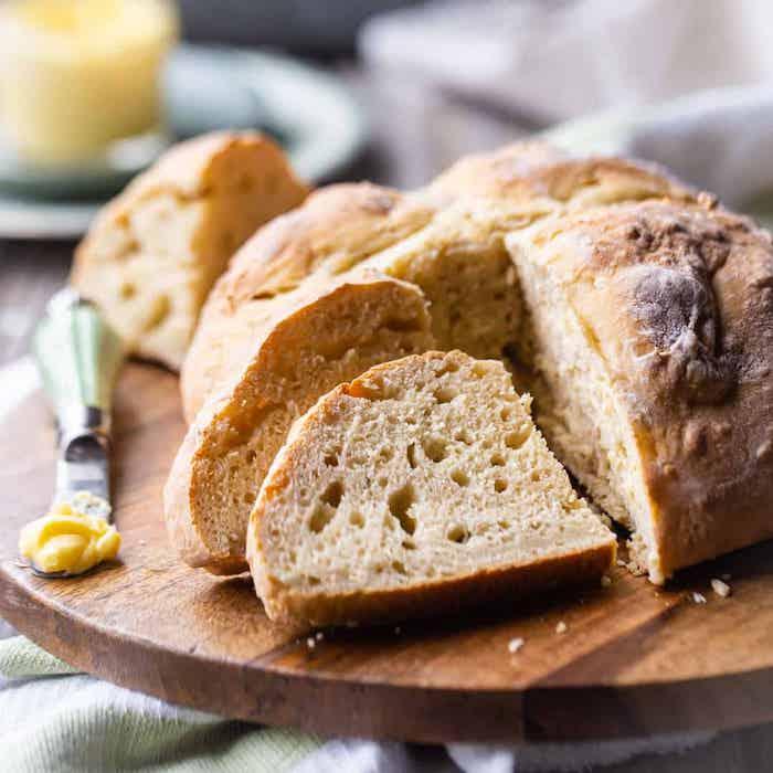pain irlandais à faire chez soi, idée de pain au lait avec bicarbonate de soude, recette accompagnement plat