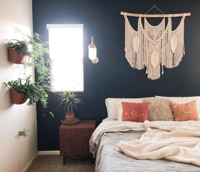 peinture murale chambre à coucher boho chic suspension corde cotton beige macramé mural diy jardinière suspendue plante chambre