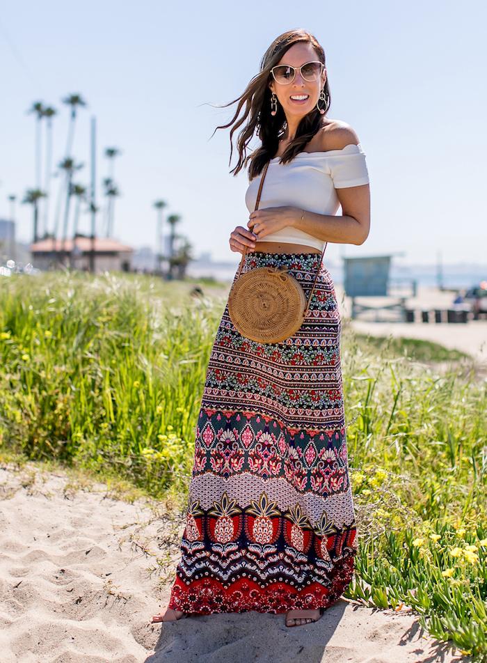 plage californie jupe longue t shirt epaules denudees robe femme habillée originale idée de robe d été femme belle