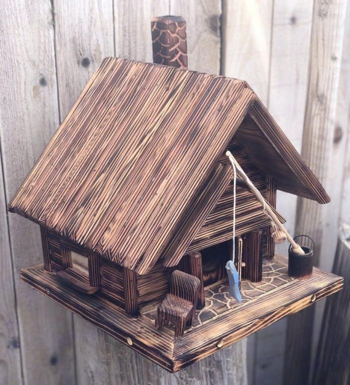 maison oiseaux à construire soi-même, DIY maison en bois pour oiseaux à accrocher dans son jardin
