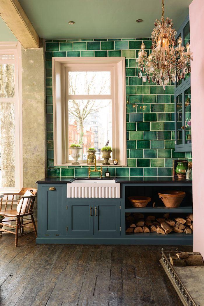 Vert couleur qui vont ensemble, association de couleur moderne cuisine vert et rose lustre baroque