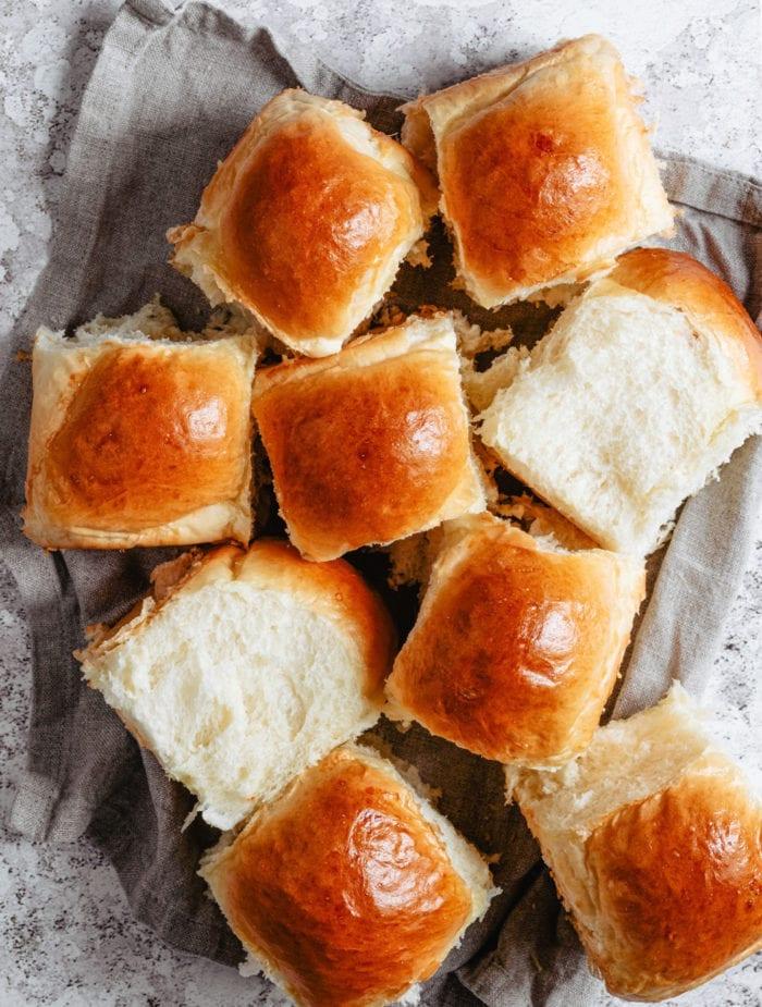 idée plat japonais, comment faire pain au lait simple, recette rapide de pain moelleux
