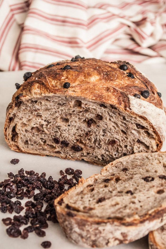 idée pour faire du pain sucré aux raisins secs et cannelle, recette repas du soir accompagnement apero