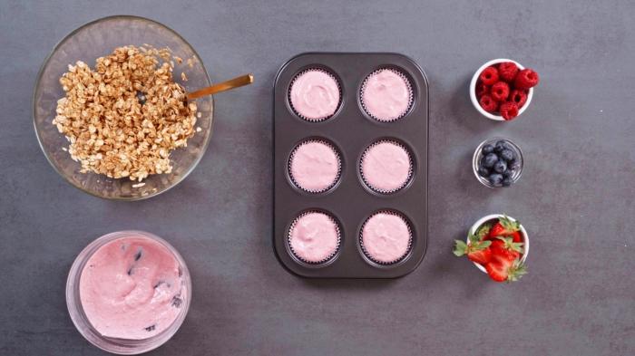 recette sucrée saine préparation dessert frais pour l été recette facile muffin aux fruits et skyr cupcakes surgelés sans cuisson frigo flocons d avoine