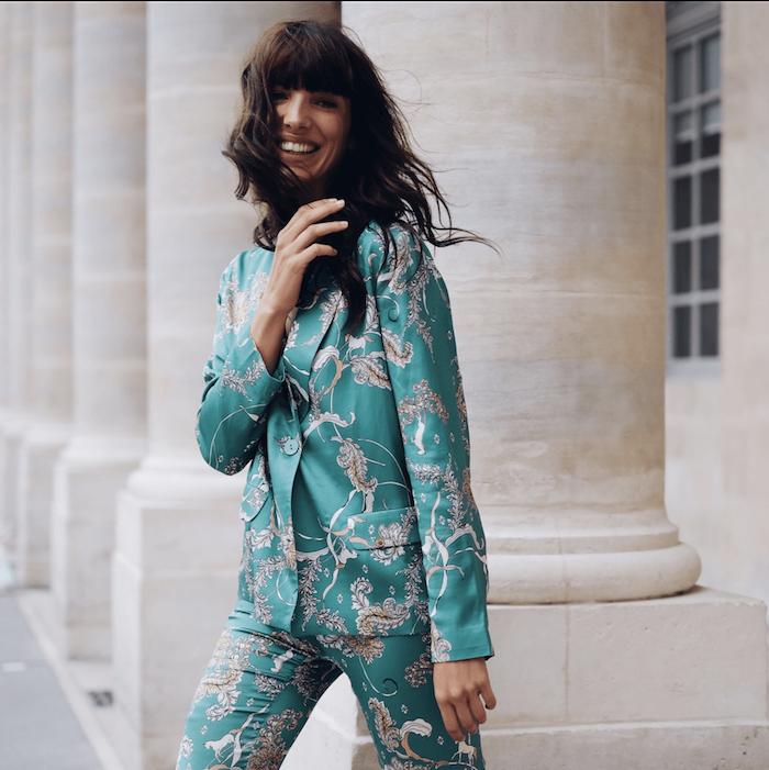 robe femme habillée comment poser pour une photo swag fille tailleur magnifique en satin qui ressemble a pyjama style 2020