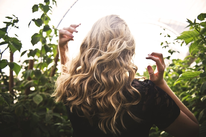 soins beaute cheveux conseil pour avoir de beaux cheveux sains boucles soleil produits habitudes chevelure chevelure de rêve