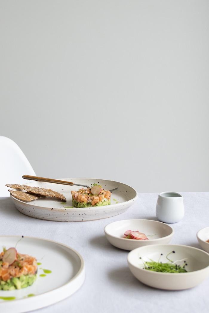 tartare saumon avocat pour la base, idée d entrée facile et rapide et froide avec peu d ingredients