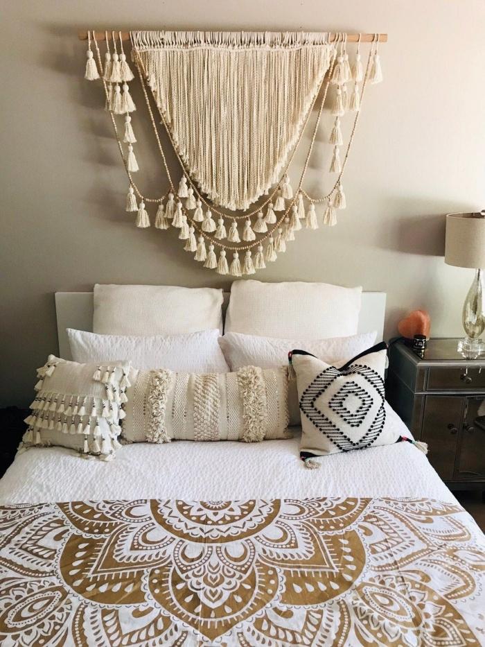 tete de lit a faire soi meme style bohème chic suspension corde cotton glands tassels macramé franges coussin diy couverture de lit mandala