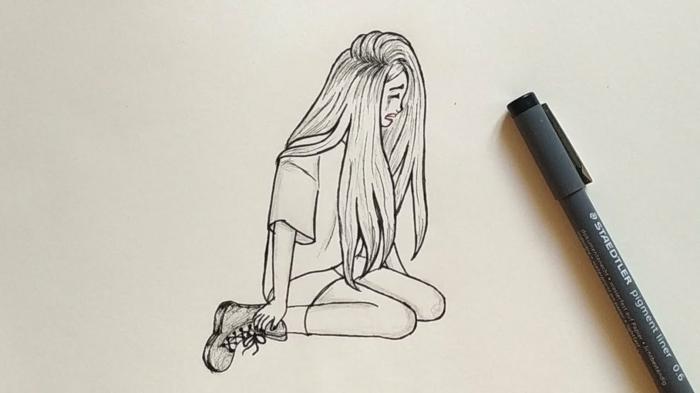 Fille qui pleure comment faire un dessin triste inspiration dessin facile fille cheveux longs t-shirt
