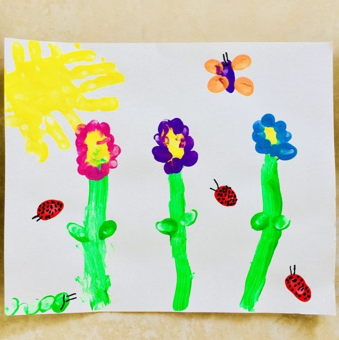 comment faire un dessin enfant original activité peinture pour les 2 3 ans dessiner des fleurs et coccinnelles en empreintes de main