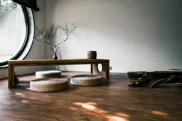 décoration intérieure style japonais minimalisme décor meubles bois revêtement de sol bois fenêtre lumière naturelle