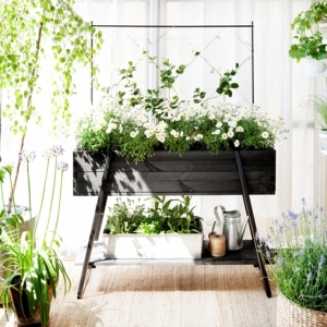 Jardinière pour balcon ou terrasse : comment la choisir, adopter ou fabriquer soi-même