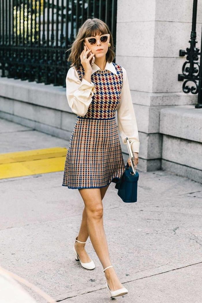 idée tenue soirée simple imprimés classiques jupe taille haute chemise blanche col chaussures talons blanches lunettes soleil
