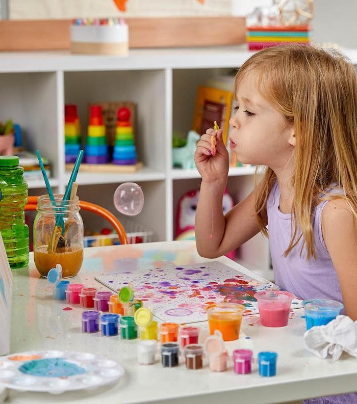 idee peinture enfant avec des bulles colorés exemple activité manuelle 3 5 ans maternelle primaire faciles a faire et amusantes