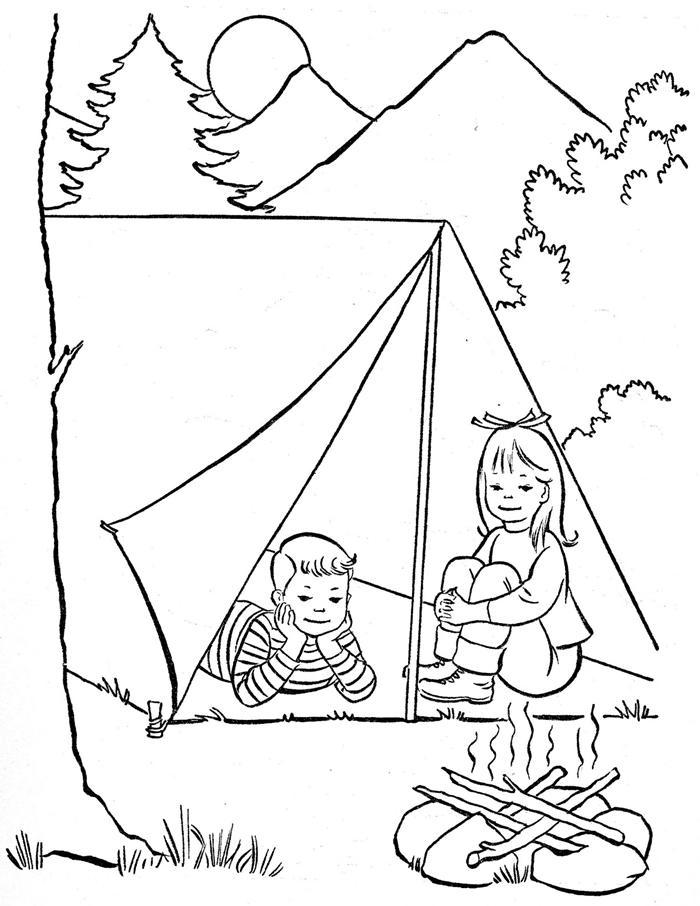 jeu enfant camping nature montagnes feu fille et garçon sapins colins soleil forêt dessin gratuit à imprimer vacances d été coloriage