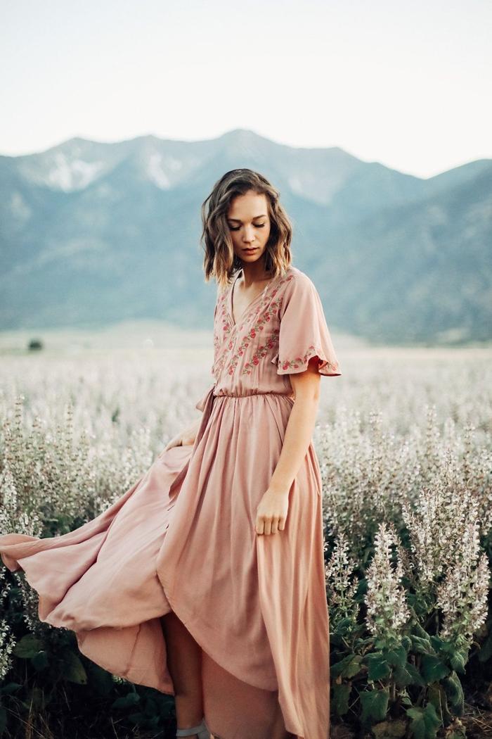 manches courtes robe fluide couleur nude motifs floraux vêtements été robe bohème chic décolleté en v mode femme style champêtre