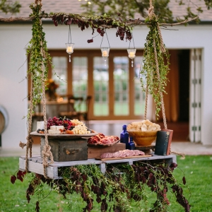 Buffet froid de mariage - une solution économique pour permettre aux invités de manger à leur goût